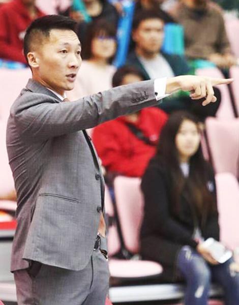 6度獲得SBL年度最佳教練-富邦勇士隊總教練「許總」.jpg