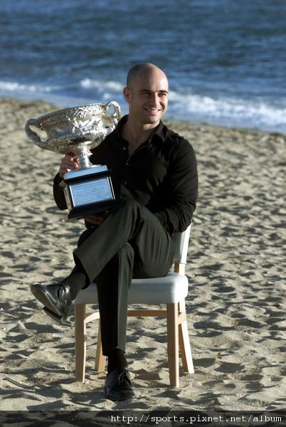 2001年澳網冠軍  連兩屆稱霸