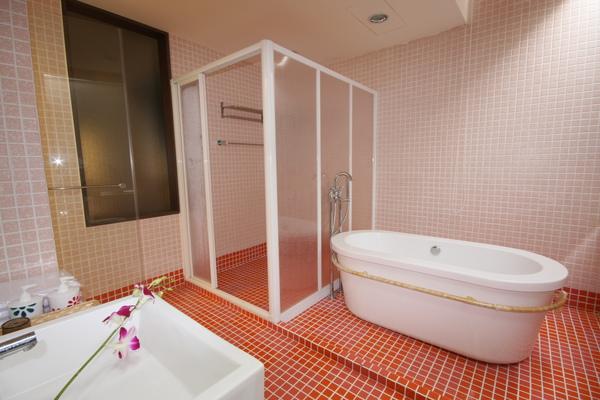 棒球房浴室01.JPG