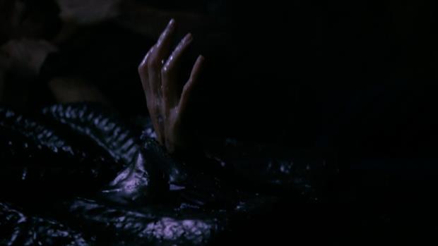 S03E07-1.jpg