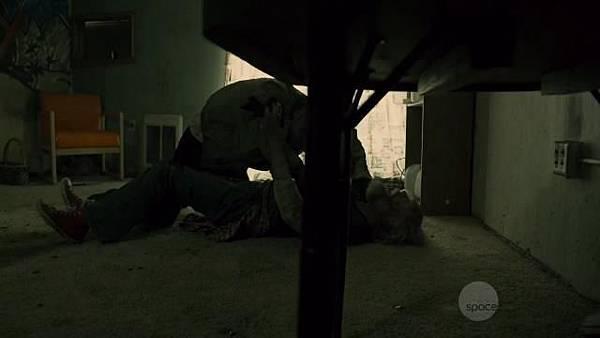 S02E02-1.jpg