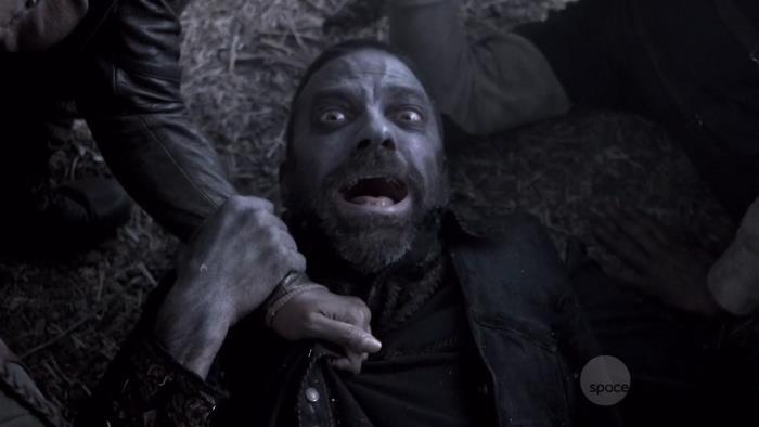 S02E04-3.jpg