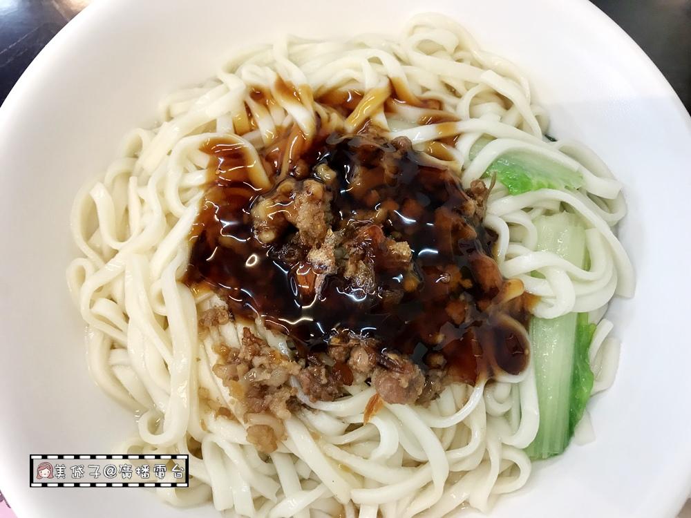 巧味牛肉麵館9.JPG