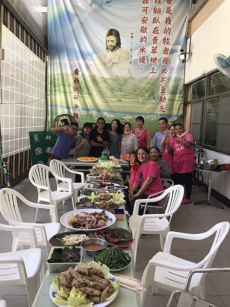 員工歡送餐會-外籍夥伴,三年不離不棄,照顧長輩.jpg