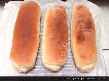 木柴麵包成品