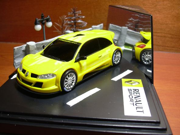 Megane II trophy in street