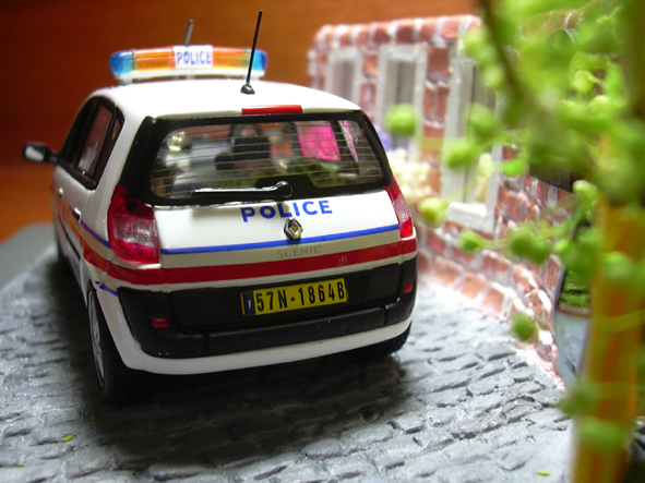 Sceinc II Police-3-20060703