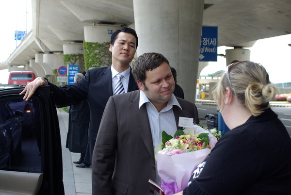 Paul in Seoul-Airport 3