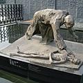 南京大屠殺紀念館外雕像
