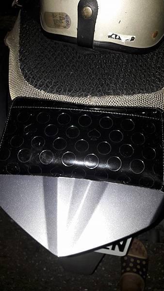 1050929晚上,撿到女用皮包,送交派出所.jpg