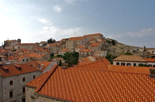 Dubrovnik的城牆上