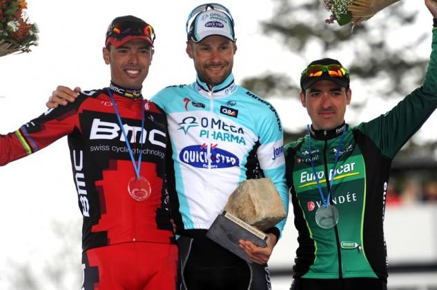 podium-4-633x421