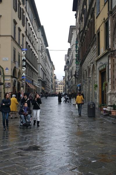 走在翡冷翠的街道