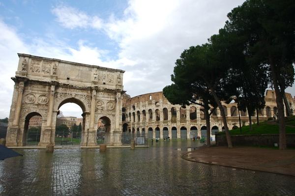 君士坦丁凱旋門和鬥獸場