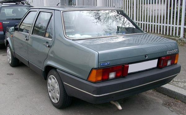 800px-Fiat_Regata_rear_20080326.jpg