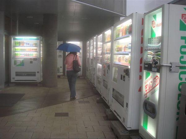 日本到處都是這麼多販賣機