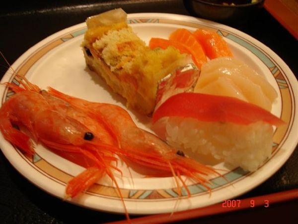 晚餐有吃到飽的各種鮭魚料理