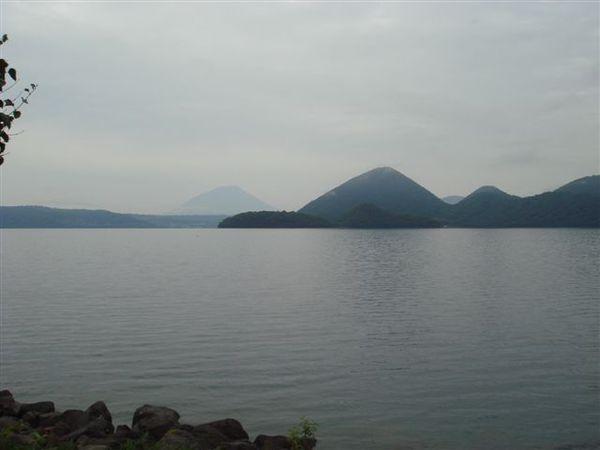洞爺湖還挺大的