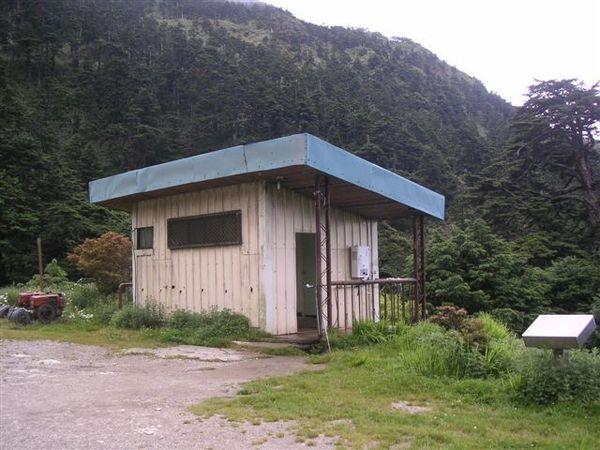 天池山莊的簡易廁所