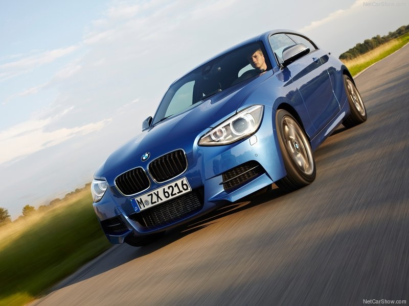 BMW-M135i_2013_800x600_wallpaper_19