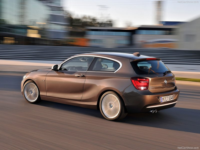 BMW-1-Series_3-door_2013_800x600_wallpaper_08