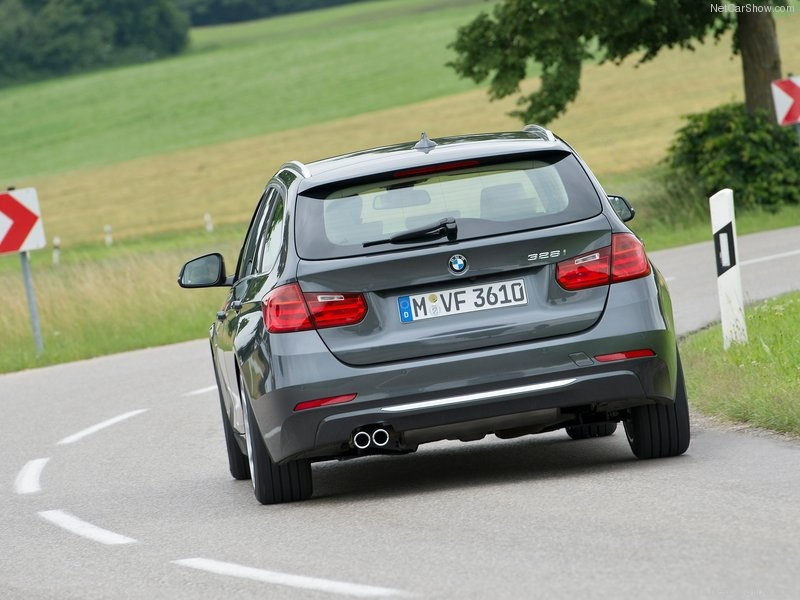 BMW-3-Series_Touring_2013_800x600_wallpaper_9f