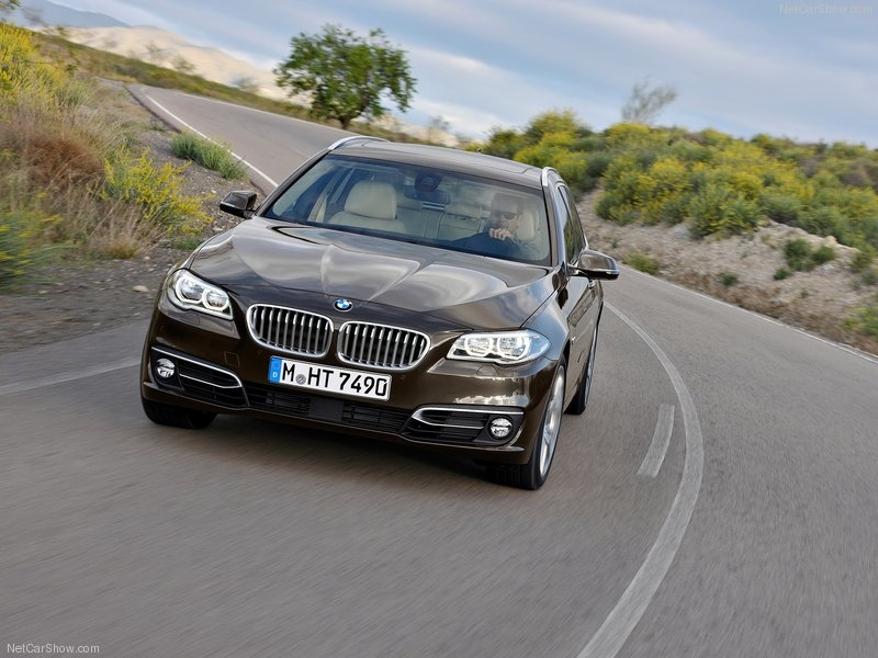 BMW-5-Series_Touring_2014_800x600_wallpaper_15
