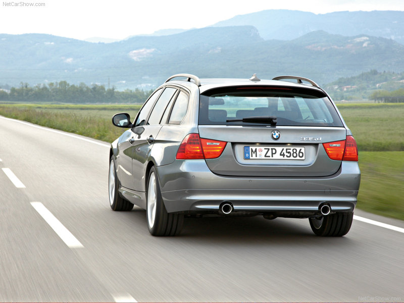 BMW-3-Series_Touring_2013_80x600_wallpape06