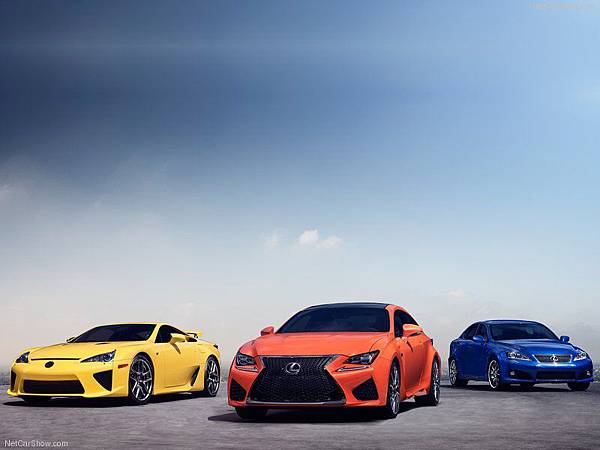 Lexus-RC_F_2015_800x600_wallpaper_84
