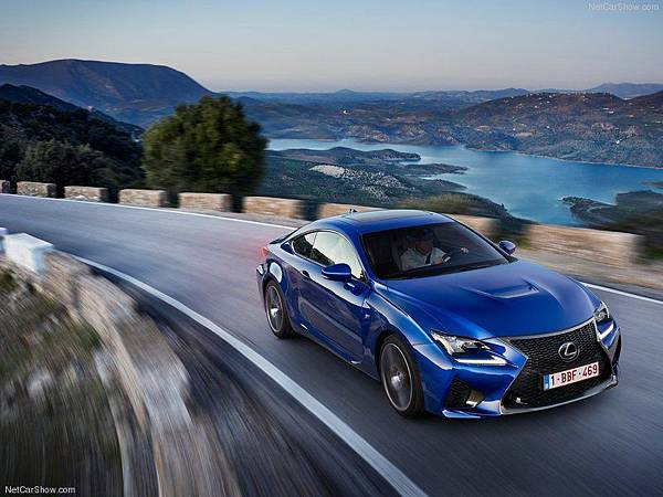 Lexus-RC_F_2015_800x600_wallpaper_03