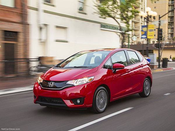 Honda-Fit_2015_800x600_wallpaper_1d