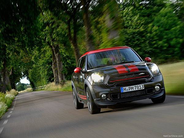 Mini-Paceman_John_Cooper_Works_2015_800x600_wallpaper_17