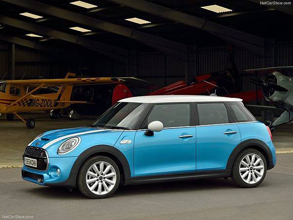 Mini-Cooper_SD_5-door_2015_800x600_wallpaper_07