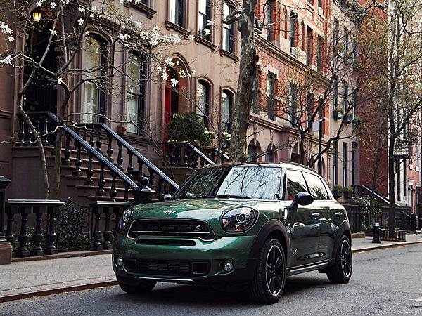 Mini-Countryman_2015_800x600_wallpaper_16