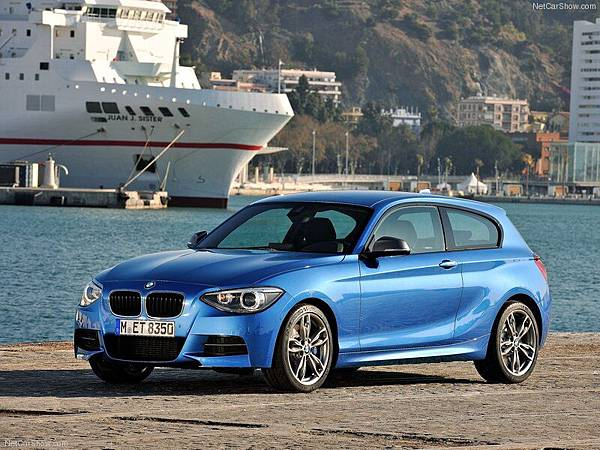 BMW-M135i_2013_800x600_wallpaper_03