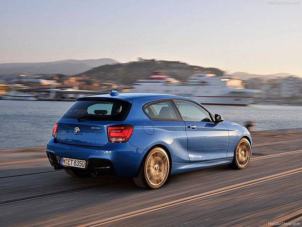 BMW-M135i_2013_800x600_wallpaper_54