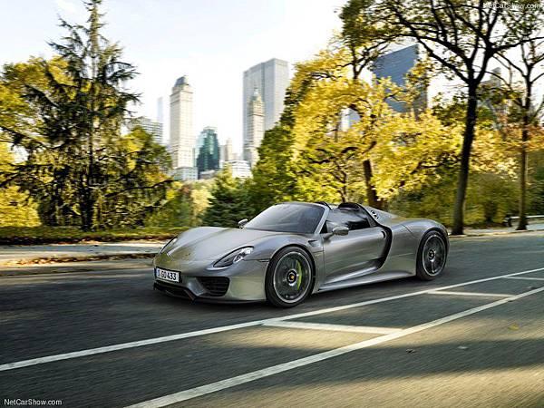 Porsche-918_Spyder_2015_800x600_wallpaper_08