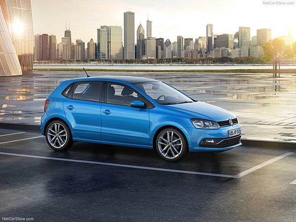 Volkswagen-Polo_2014_800x600_wallpaper_05
