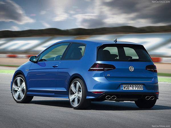 Volkswagen-Golf_R_2014_800x600_wallpaper_14