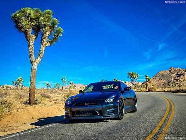 Nissan-GT-R_Track_Edition_2014_800x600_wallpaper_0e
