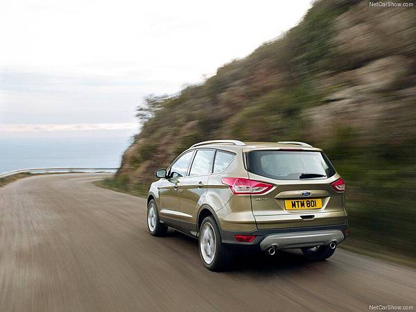 Ford-Kuga_2013_800x600_wallpaper_10
