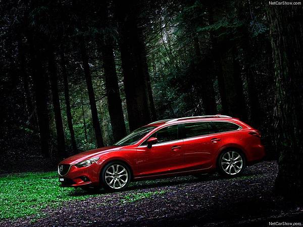 Mazda-6_Wagon_2013_800x600_wallpaper_05