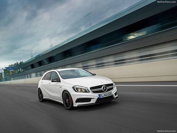 Mercedes-Benz-A45_AMG_2014_800x600_wallpaper_0b