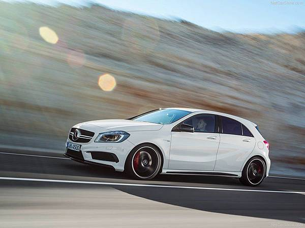 Mercedes-Benz-A45_AMG_2014_800x600_wallpaper_0a