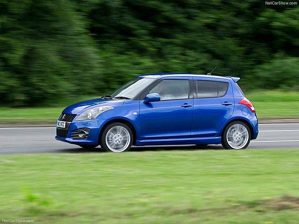 Suzuki-Swift_Sport_5-door_2013_800x600_wallpaper_04