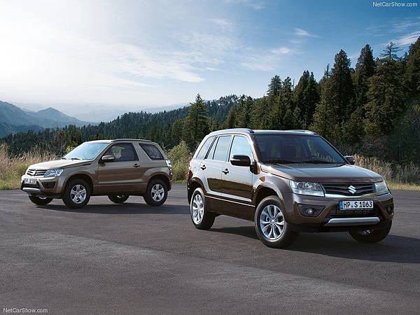 Suzuki-Grand_Vitara_2013_800x600_wallpaper_09