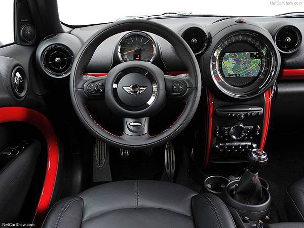 Mini-Countryman_John_Cooper_Works_2013_800x600_wallpaper_7b