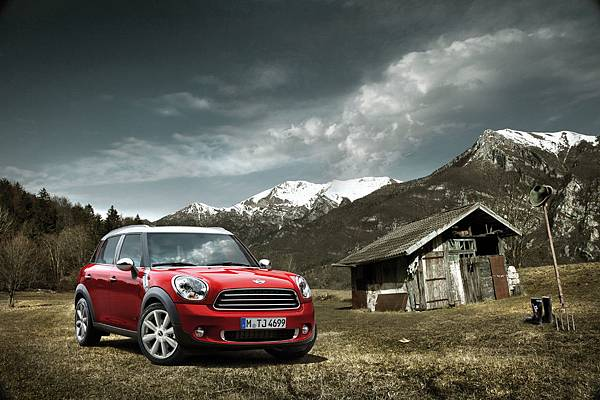 2011-mini-countryman-clouds-mtn-2