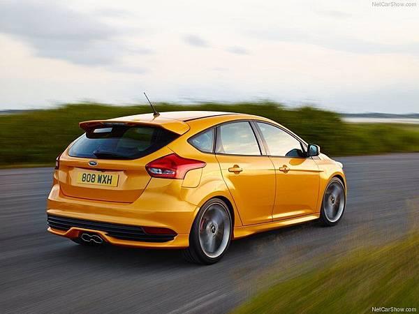 Ford-Focus_ST_2015_800x600_wallpaper_06