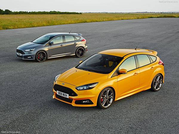 Ford-Focus_ST_2015_800x600_wallpaper_0a